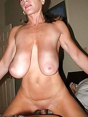 Mature MILF in a xxx gallery