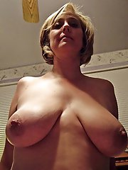 Sexy experienced bitch playing herself