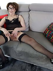 Sensuous mature strumpets in a sex gallery