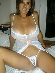 Sensuous older mommies playing themselves